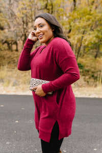 Brushed Melange V-Neck Sweater In Burgundy