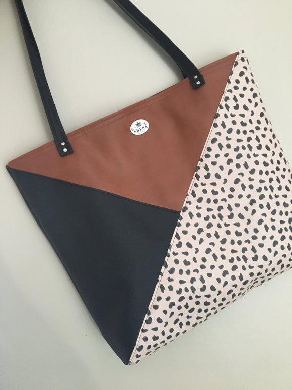 3  Tone Cheetah Basic Tote