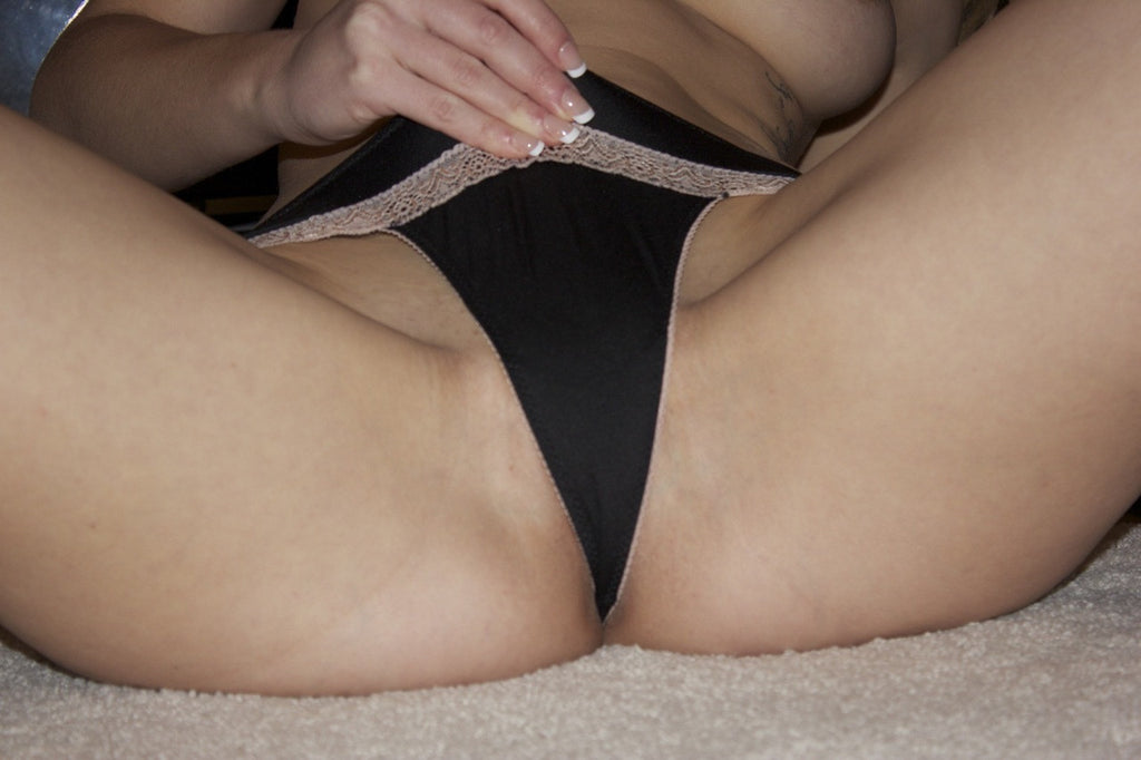 Sierra Day - Black Thong