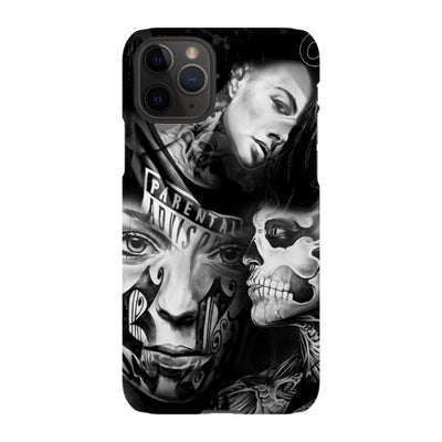 coly_art iPhone tattoed