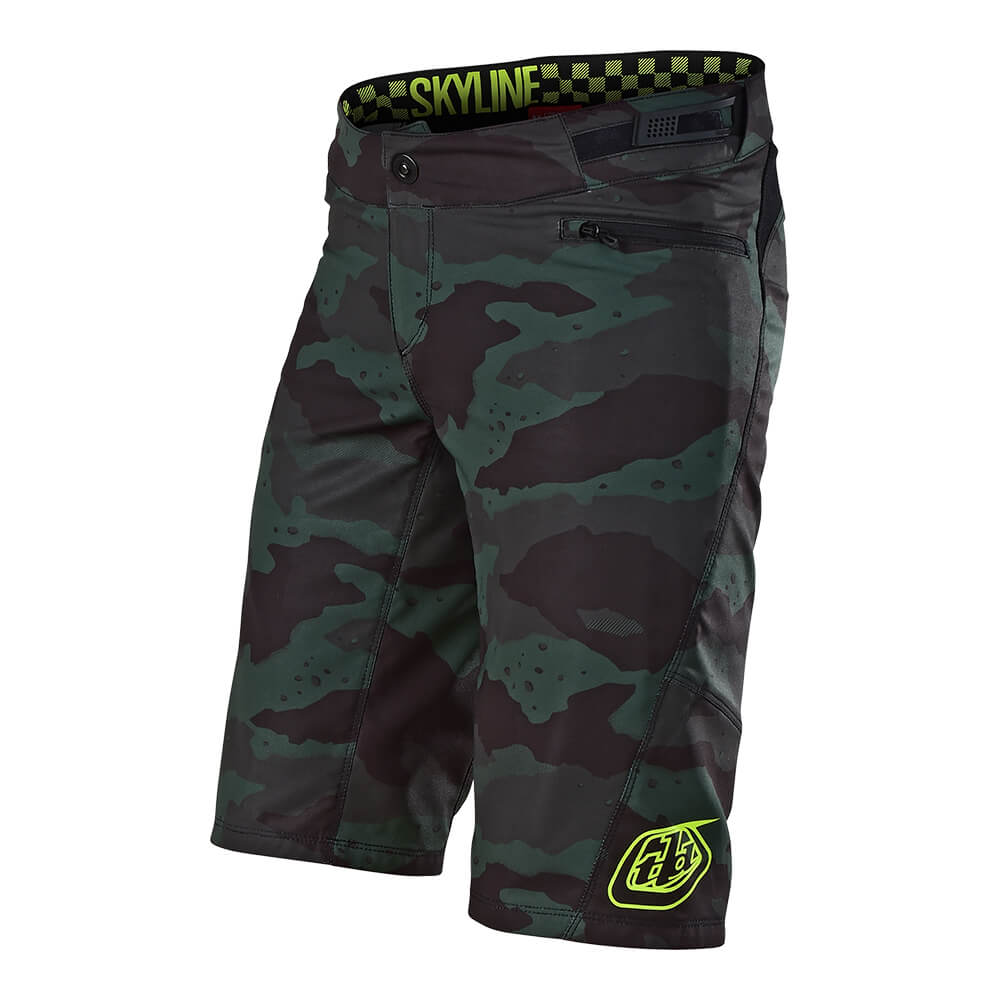 WOMENS SKYLINE SHORT SHELL SOLID CAMO STEALTH / BLACK