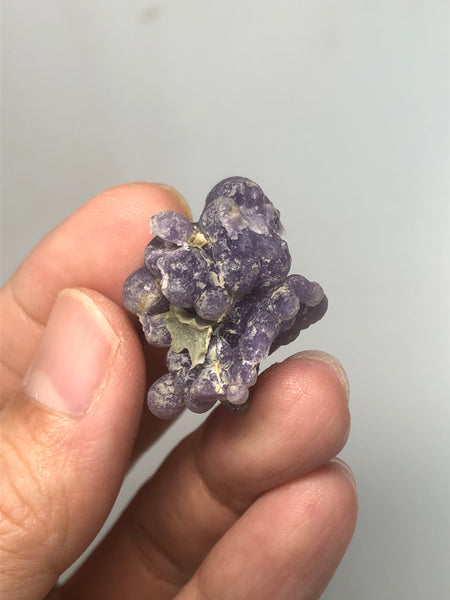 Grape Agate Raw Crystals 10g