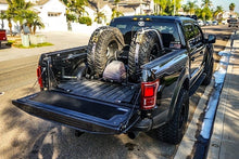 Load image into Gallery viewer, Ford F150 2016- Current Full Tailgate Protector