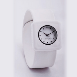 Snap on Watch (White)