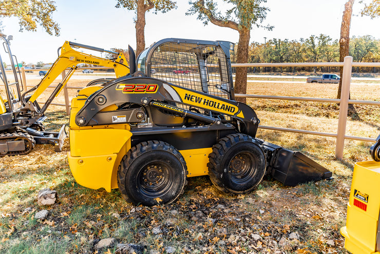 2017 NEW HOLLAND L220 SKID STEER, AGED INVENTORY, FULL FACTORY WARRANTY
