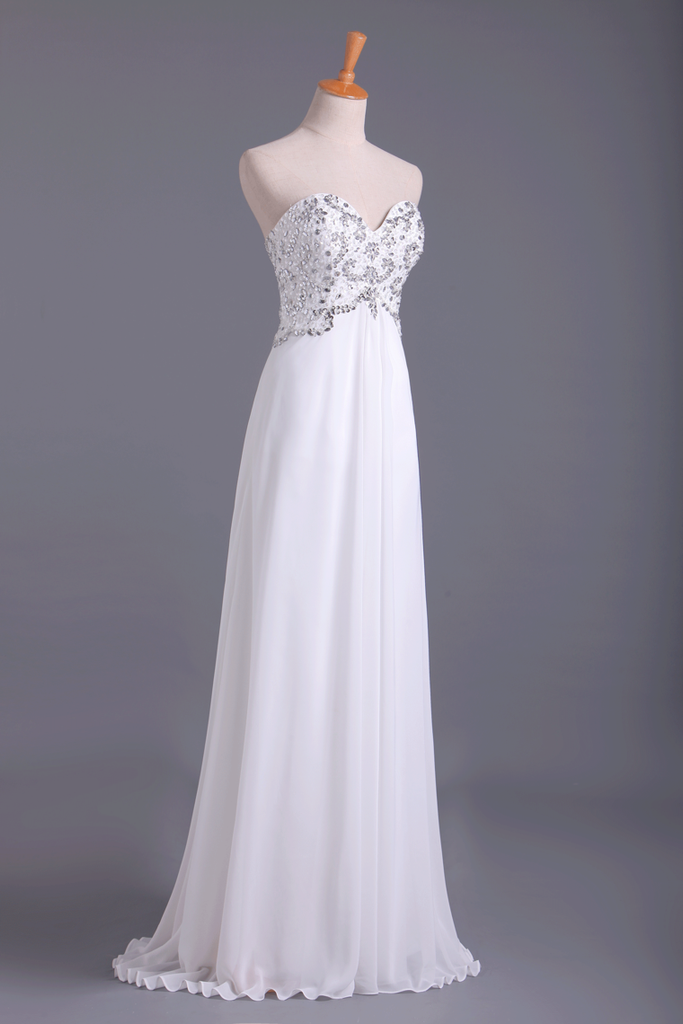 2021 Popular Prom Dresses Sweetheart Chiffon With Beading Floor Length White