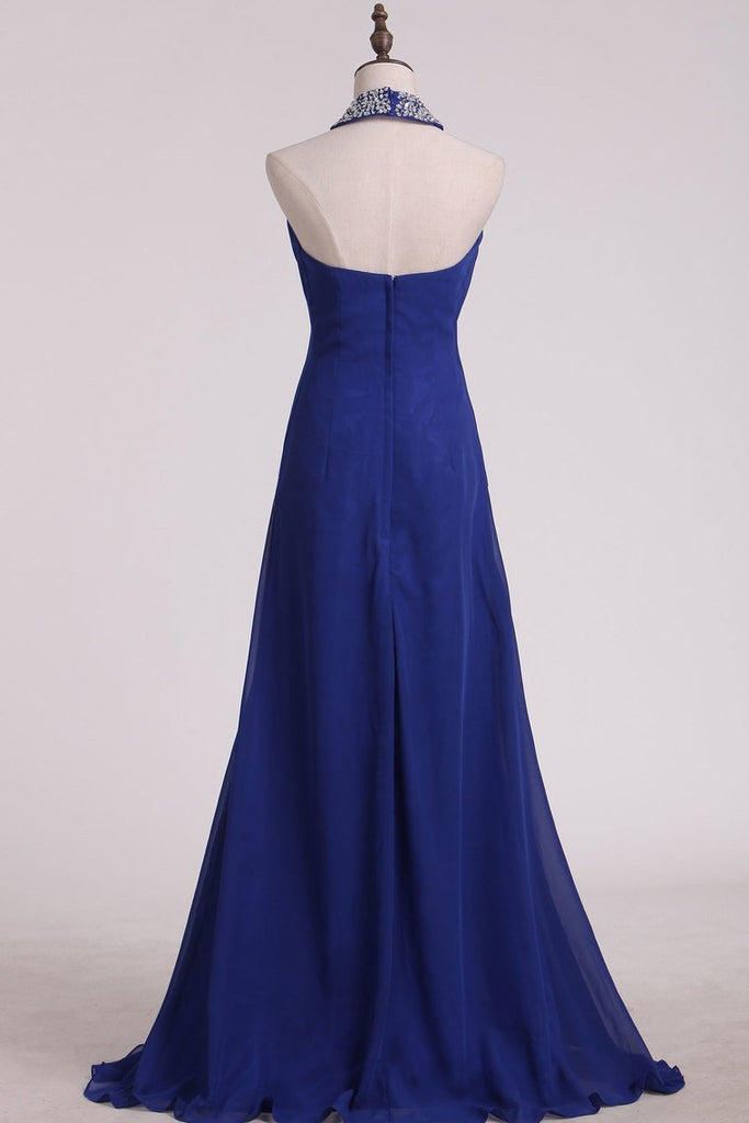 2020 Dark Royal Blue Halter Bridesmaid Dresses Chiffon With Beading Floor Length