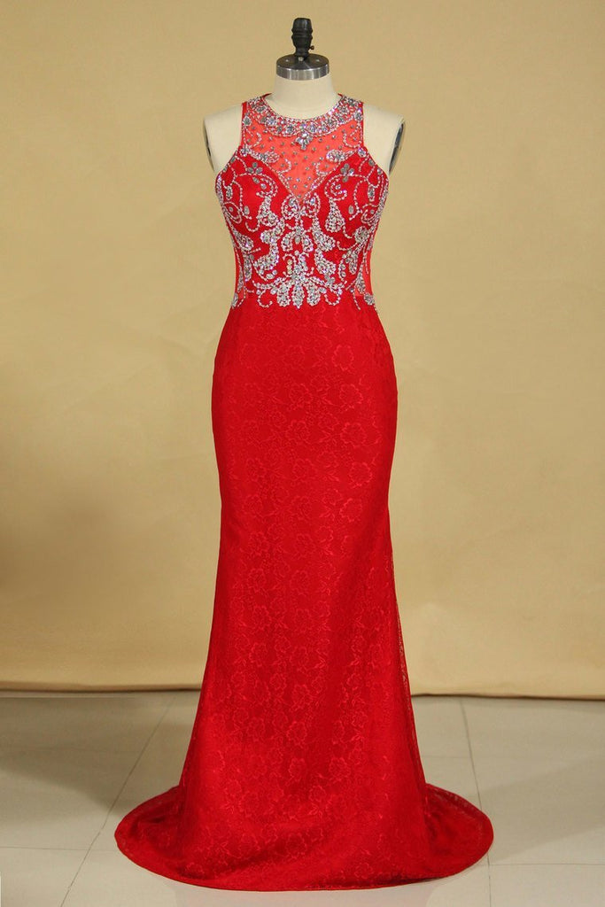 Red Plus Size Prom Dresses Scoop Beaded Bodice Sweep Train Lace