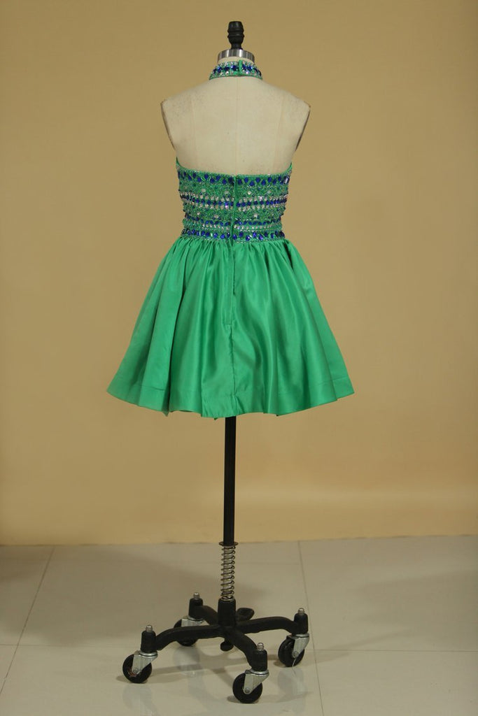Two-Piece Halter With Beading Homecoming Dresses Satin
