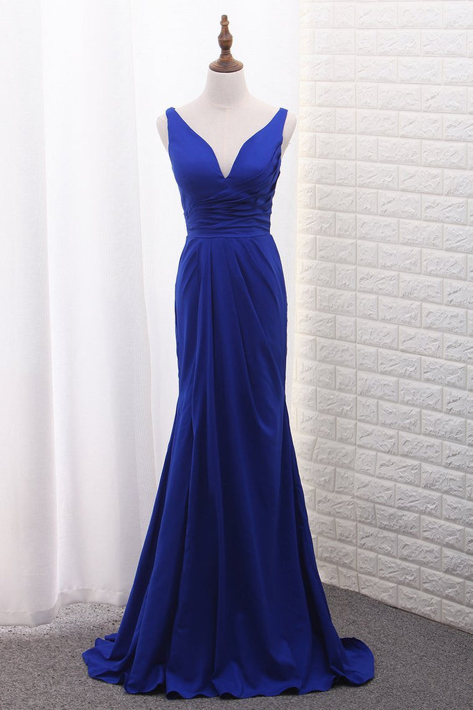 2021 Mermaid V Neck Evening Dresses With Ruffles And