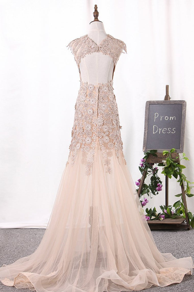 2021 Mermaid Scoop Wedding Dresses Tulle With Applique Court Train Open