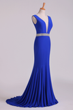 2021 Open Back Column Prom Dresses V Neck Dark Royal Blue Beaded Waistline Sweep Train