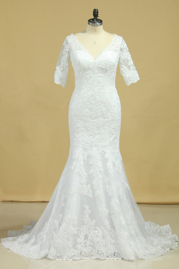 2020 Mermaid Wedding Dresses V-Neck 3/4 Sleeves Court Train Tulle V-Back With Covered Button
