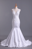 2020 Hot Wedding Dresses Mermaid V-Neck Court Train Satin With Applique Open Back
