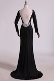 2021 Open Back Bateau Prom Dresses Sheath Spandex Black With Beading