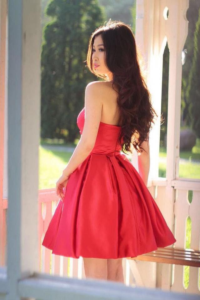 Sweetheart Simple Pleated Red Strapless Satin Party Dresses Short Homecoming Dresses JS915