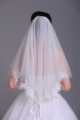 Attractive Two-Tier Elbow Length Bridal Veils With Applique