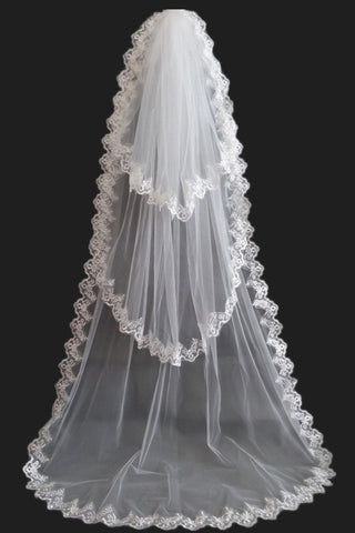 Gorgeous Three-Tier Cathedral Bridal Veils With Lace