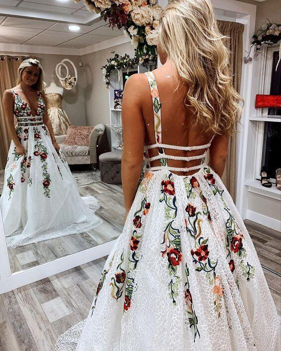 Princess Lace White Prom Dresses V Neck Backless Appliques Long Evening Dresses JS601