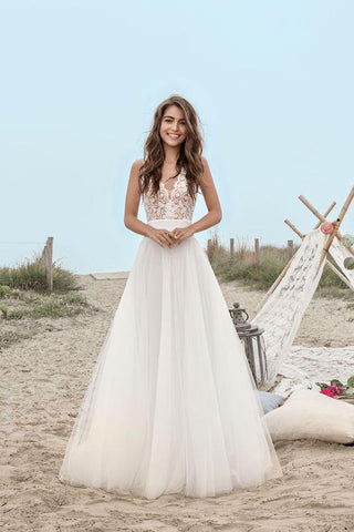 A-Line V-Neck Boho Sleeveless Tulle Lace Floor-Length Open Back Beach Wedding Dress SME577