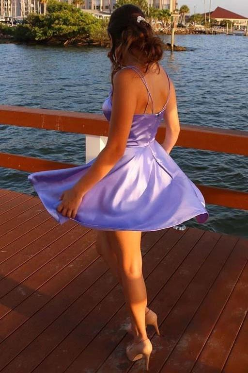 Spaghetti Straps V Neck Lilac Homecoming Dress With Pockets Backless Prom Dresses H1201