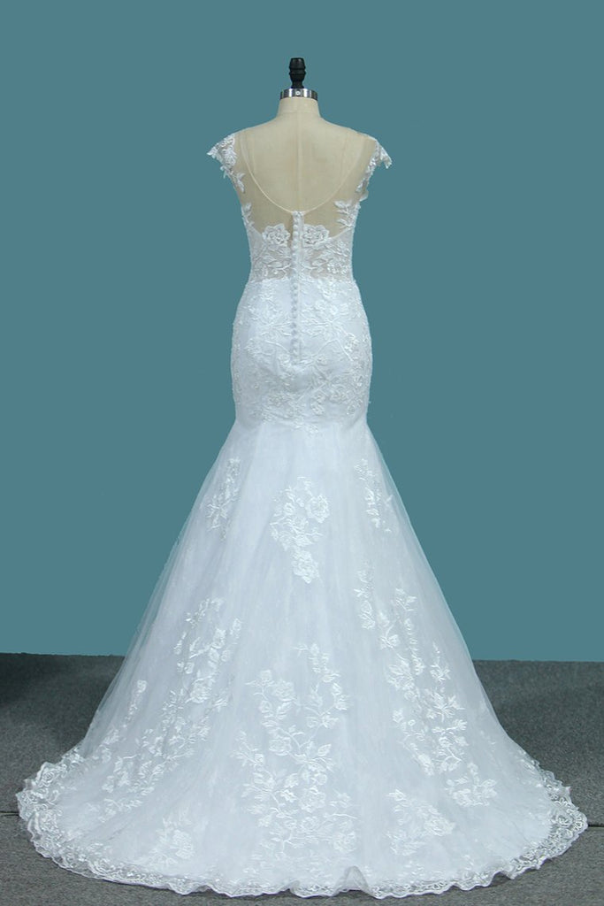 Scoop Open Back Lace Wedding Dresses With