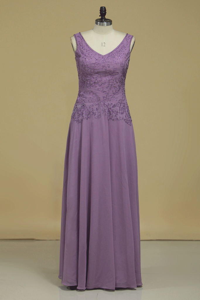 V Neck Evening Dresses A Line With Applique & Beads Floor