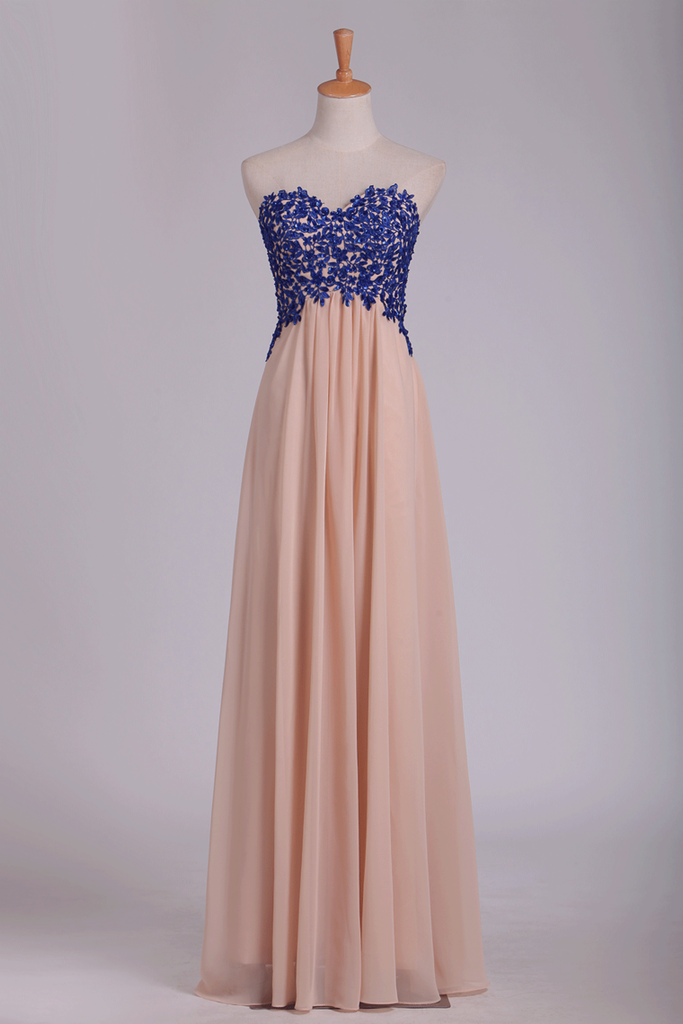2021 A Line Sweetheart Open Back Prom Dresses Chiffon With Applique Floor Length