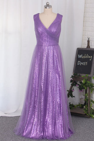 2020 Floor Length Bridesmaid Dresses Sequins & Tulle V Neck A