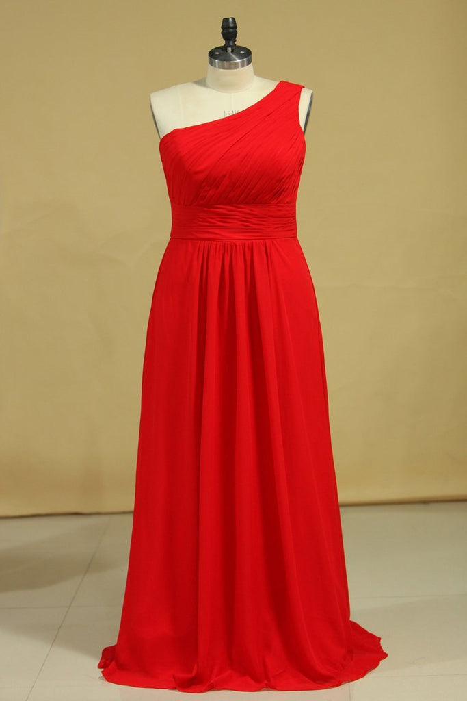 2021 Plus Size One Shoulder Bridesmaid Dresses  Ruffled Bodice A-Line Chiffon Red