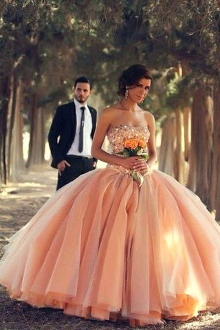 Blush Pink Tulle Ball Gown Sweetheart Bridal Gowns With Rhinestones Quinceanera Dresses JS89