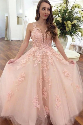 Elegant Ball Gown Prom Dresses With Appliques V Neck Floor