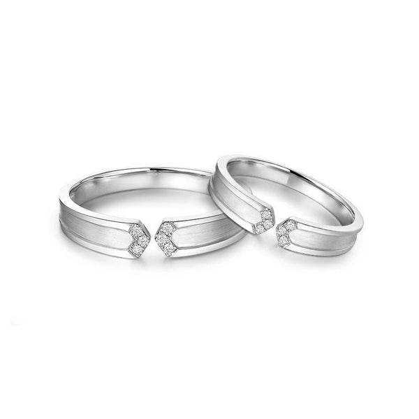 Round Brilliant-cut White Sapphire Arrows Together Series Couple Rings
