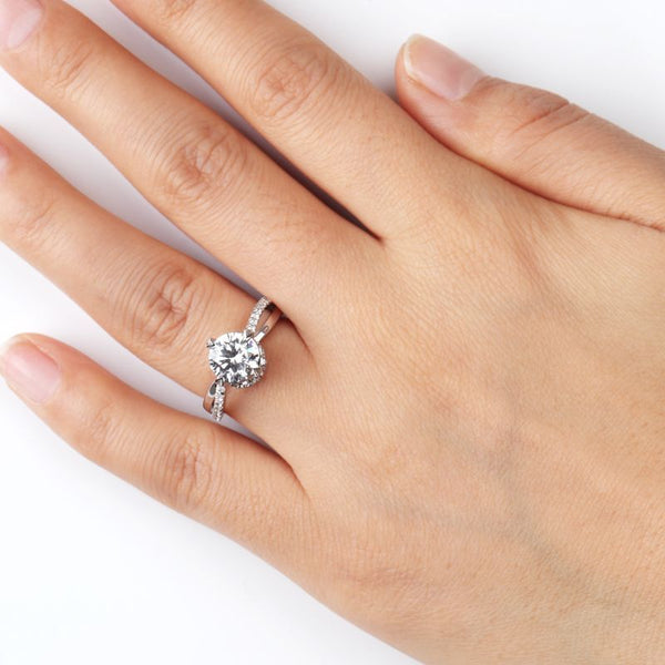 Brilliant Entwined Shank Lucky Ring