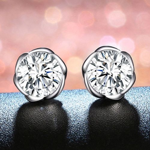 Bud Brilliant-cut 1.0ct Created White Sapphire Stud Earrings
