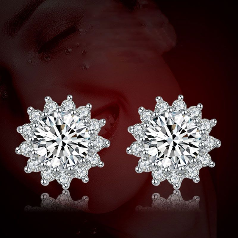 Classic Snowflake 3.0ct Round Brilliant-cut Earring