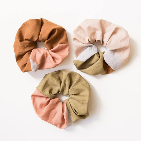 3 bunte Scrunchies im Set in Naturtönen