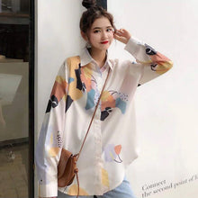 Load image into Gallery viewer, Retro Pattern Printed Turn Down Collar Blouse Shirt