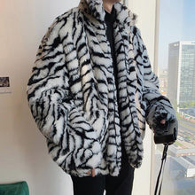Load image into Gallery viewer, Leopard Stripes Pattern Faux Fur Zipper Coat