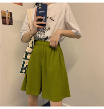 Load image into Gallery viewer, High Waist Pleated Short Pants