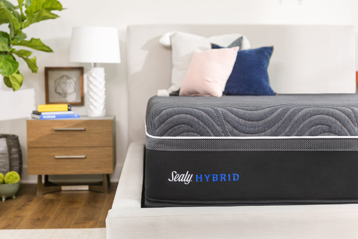 Sealy Hybrid Silver Chill Firm Mattress Mattress Sealy