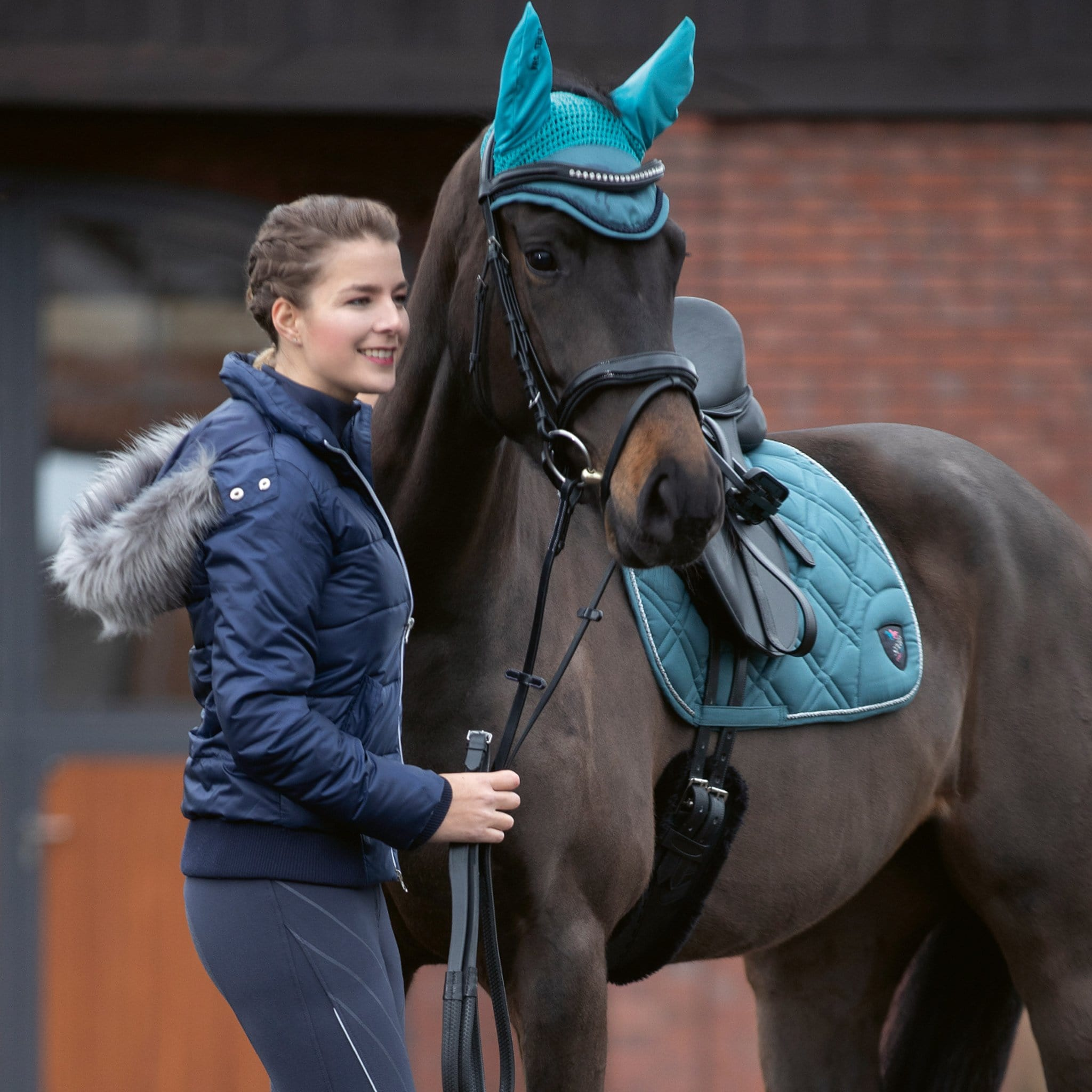 HKM Speed Quilted Jacket On Model With Horse 11099.