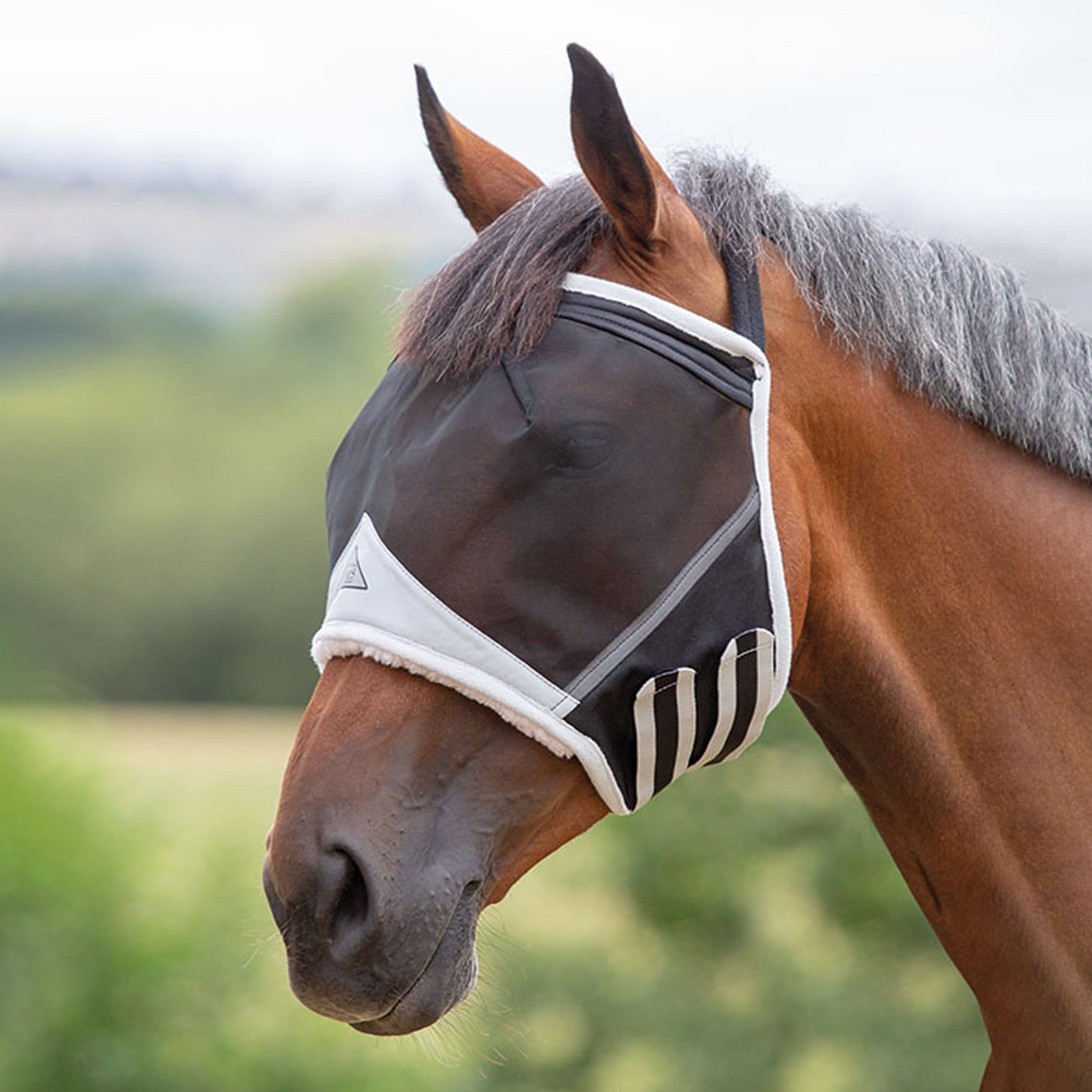 Shires Fine Mesh Fly Mask without ears 6661 Black