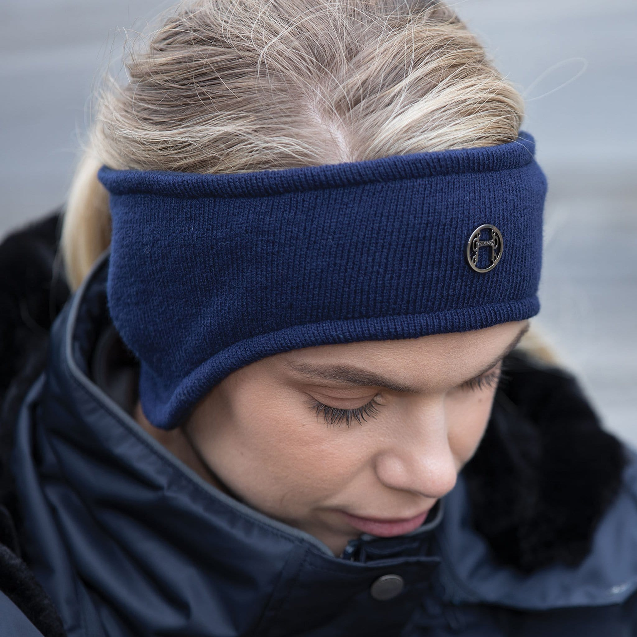 Equetech Kontour Knit Headband Navy On Model KNH-1-NY.