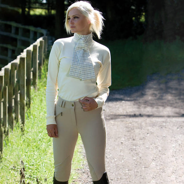 Equetech Hybrid Foxhunter Breeches Lifestyle Close Up LFB