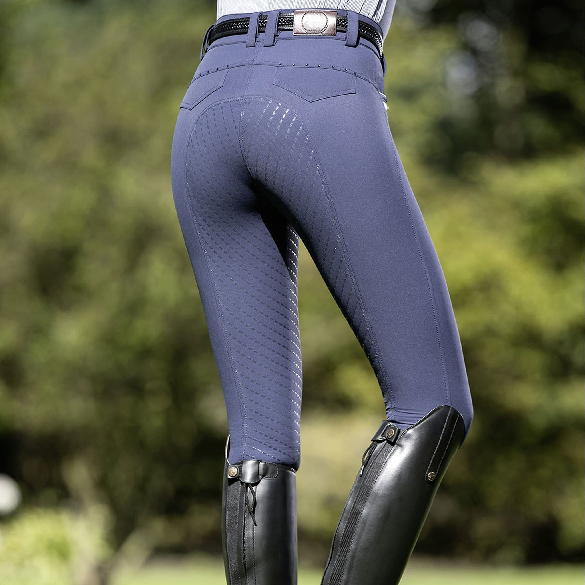 HKM Lauria Garrelli Santa Rosa Silicone Full Seat Breeches Deep Blue Summer Lifestyle Rear View 9556/6900