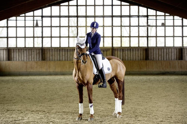 HKM Pro Team Performance Polar Fleece Bandages White On Horse 8758/1200