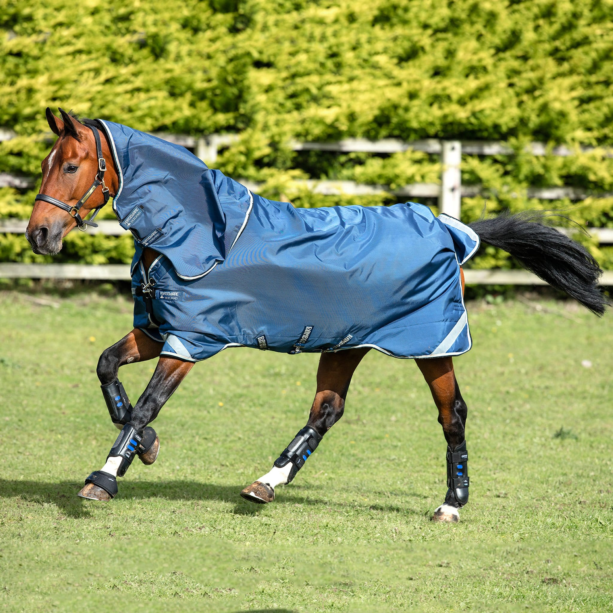 Rambo Tech Duo Lightweight 50-150g Turnout Rug And Detachable Neck Cover AAAD81