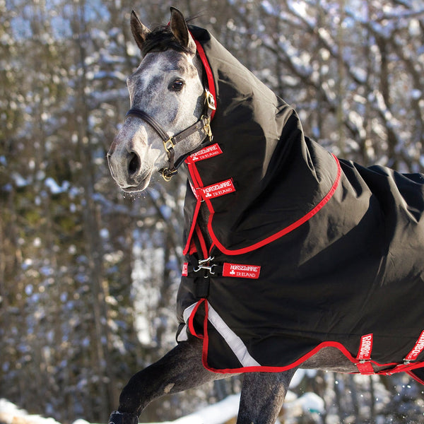 Horseware Rambo Supreme 450g Turnout Rug with Vari-Layer Hood Close Up AAAX33