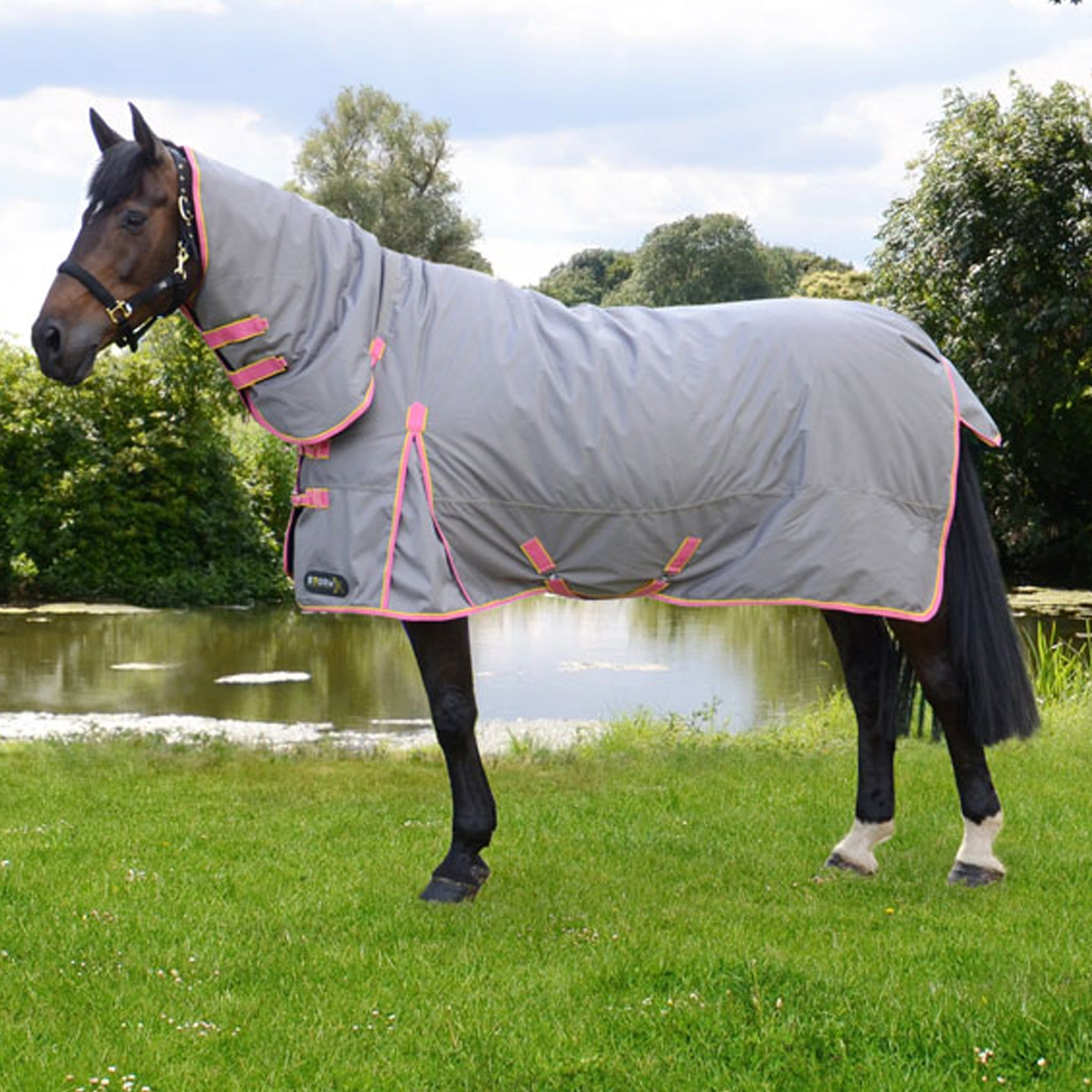 Hy Equestrian Warrior StormX Heavyweight 300g Turnout Rug with Neck 25524